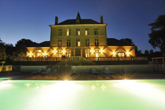 Les 6 coups du brigadier, festival de théatre amateur - la piscine du Château de Pelvezy