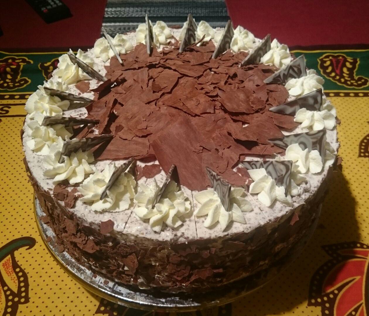Stracciatella - Joghurt - Torte, 30cm, 16 Portionen
