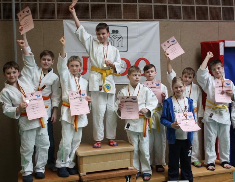 Geschafft!  alle U12-Judoka vom SC nach Abschluss der Veranstaltung