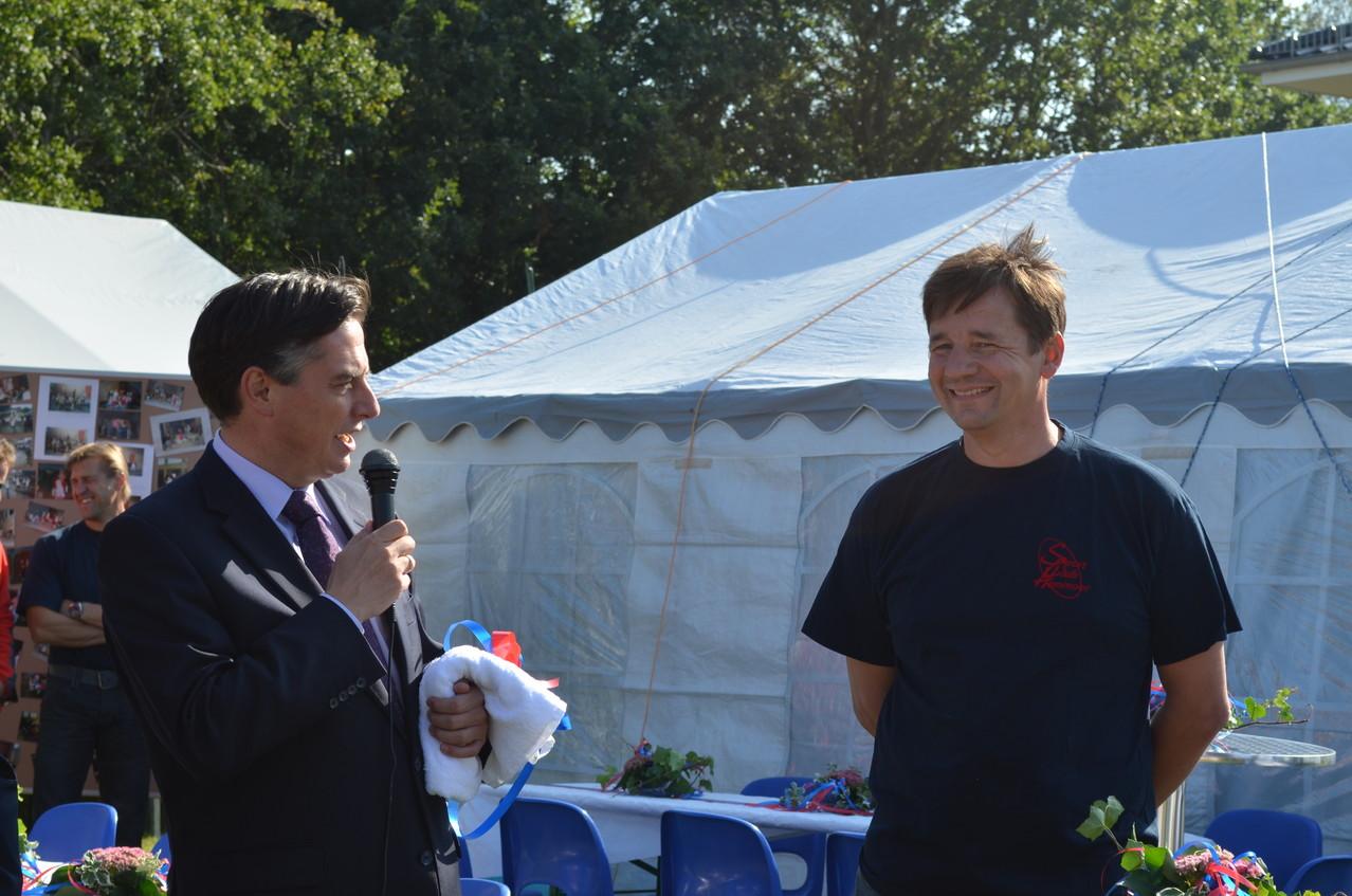 Ministerpäsident McAllister eröffnete die Veranstaltung und würdigte die wichtige (ehrenamtliche) Arbeit des SC Hemmoor