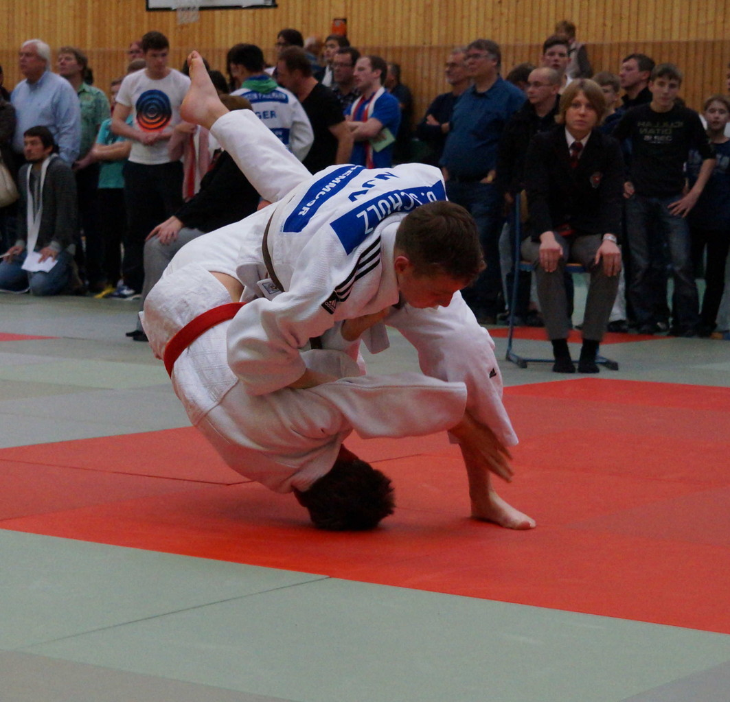 Bengt Schulz beim erfolgreichen Wurf (kurz bevor sein Gegner auf dem Rücken landet)