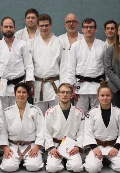hintere Reihe 4. Von links Hartmut Schrage