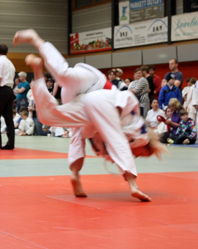 Chiara-Sue Pätzold (im Vordergrund blonder Zopf)  in Aktion