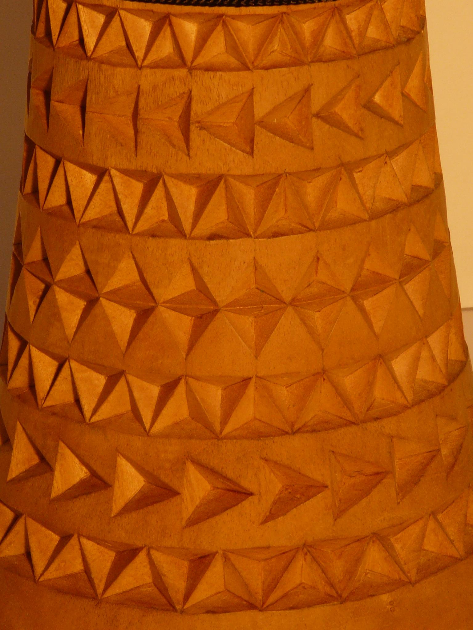 Detail Fussschnitzerei