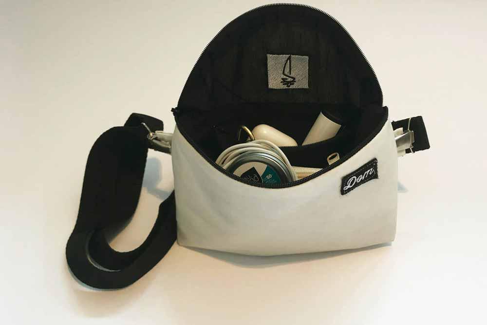 Innentasche: Es gibt ein zusätzliche Reißverschlusstasche. Leider schwer zu sehen, aber es ist das am besten gehüteste Geheimnis. Sehr nützlich, um kleine Dinge zu trennen und auch zu verstecken.