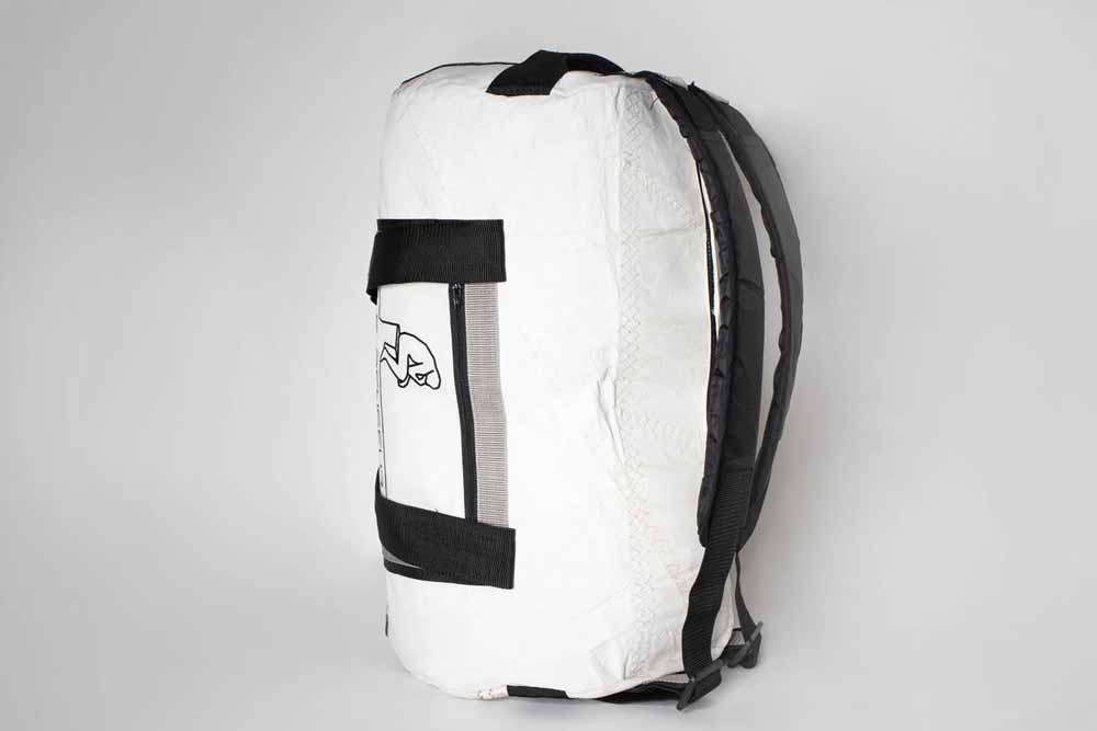 Heavy weight: The bag can be loaded up heavily. The resistant sail material is strong and the bagpack-functionality makes it easy to carry. The bag is equipped with padded adjustable shoulder straps.
