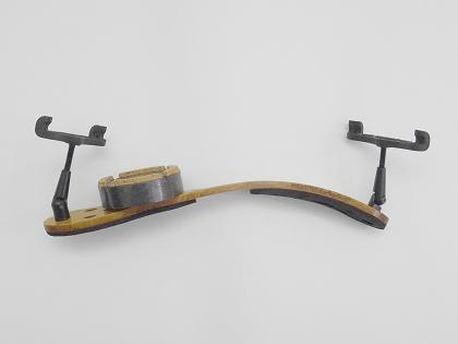 ヴァイオリン教室 バイオリンレッスン 肩当て インシュレーター KaNaDe Pirastro KorfkerRtest