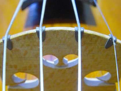 ヴァイオリン バイオリン チタン製クリップ Titanium Violin/Viola Bridge Clip ヴァイオリン教室 バイオリンレッスン