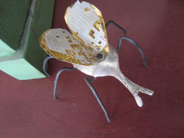 kleines insekt aus silberlöffel, 25€