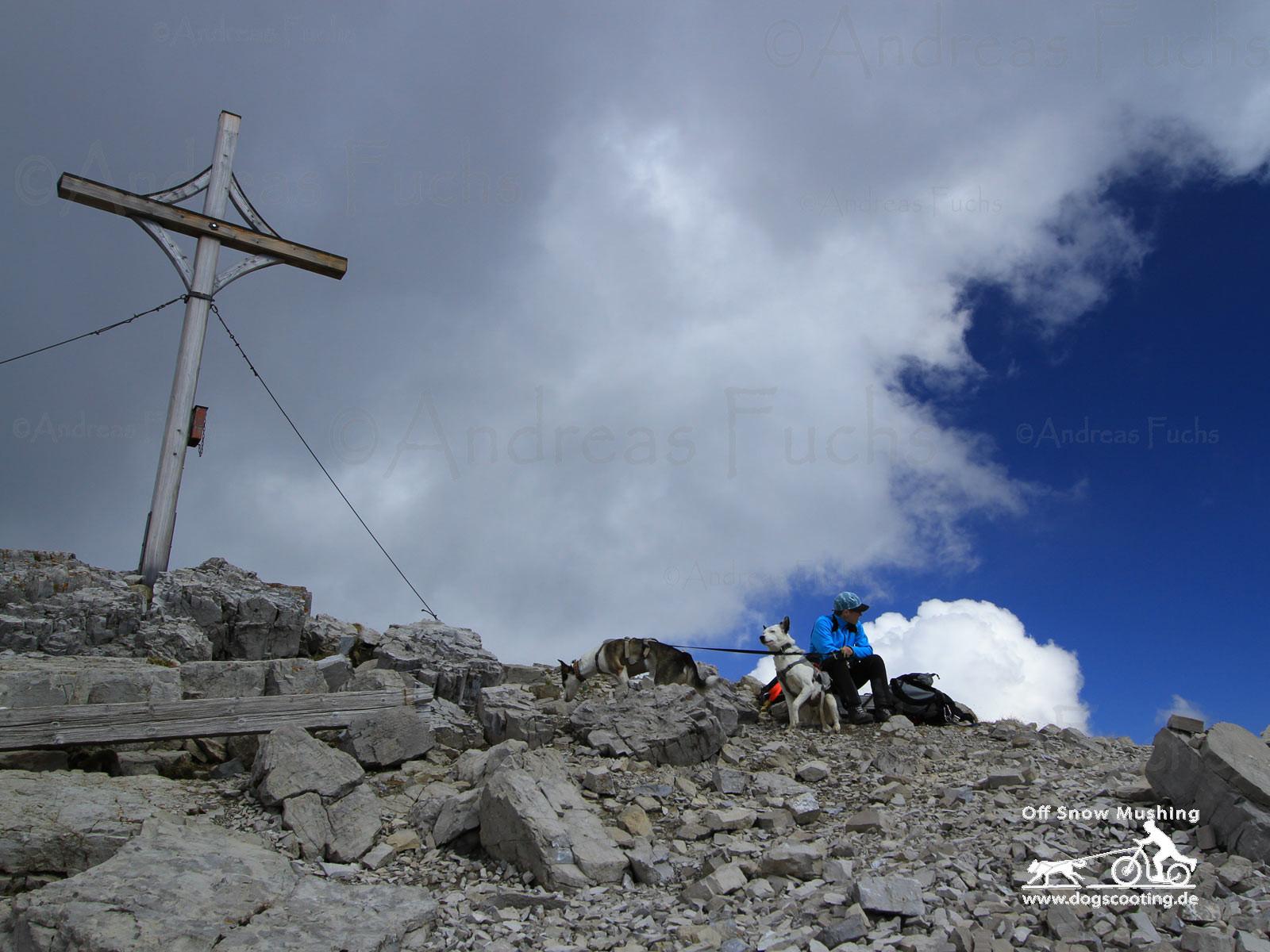 Gipfelkreuz Namloser Wetterspitze