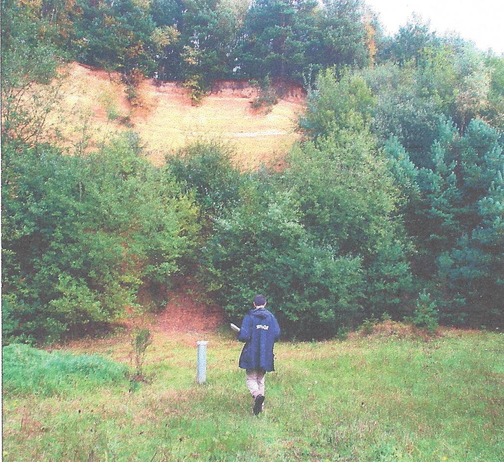 Die Paque entnimmt Bodenproben und baut Brunnen