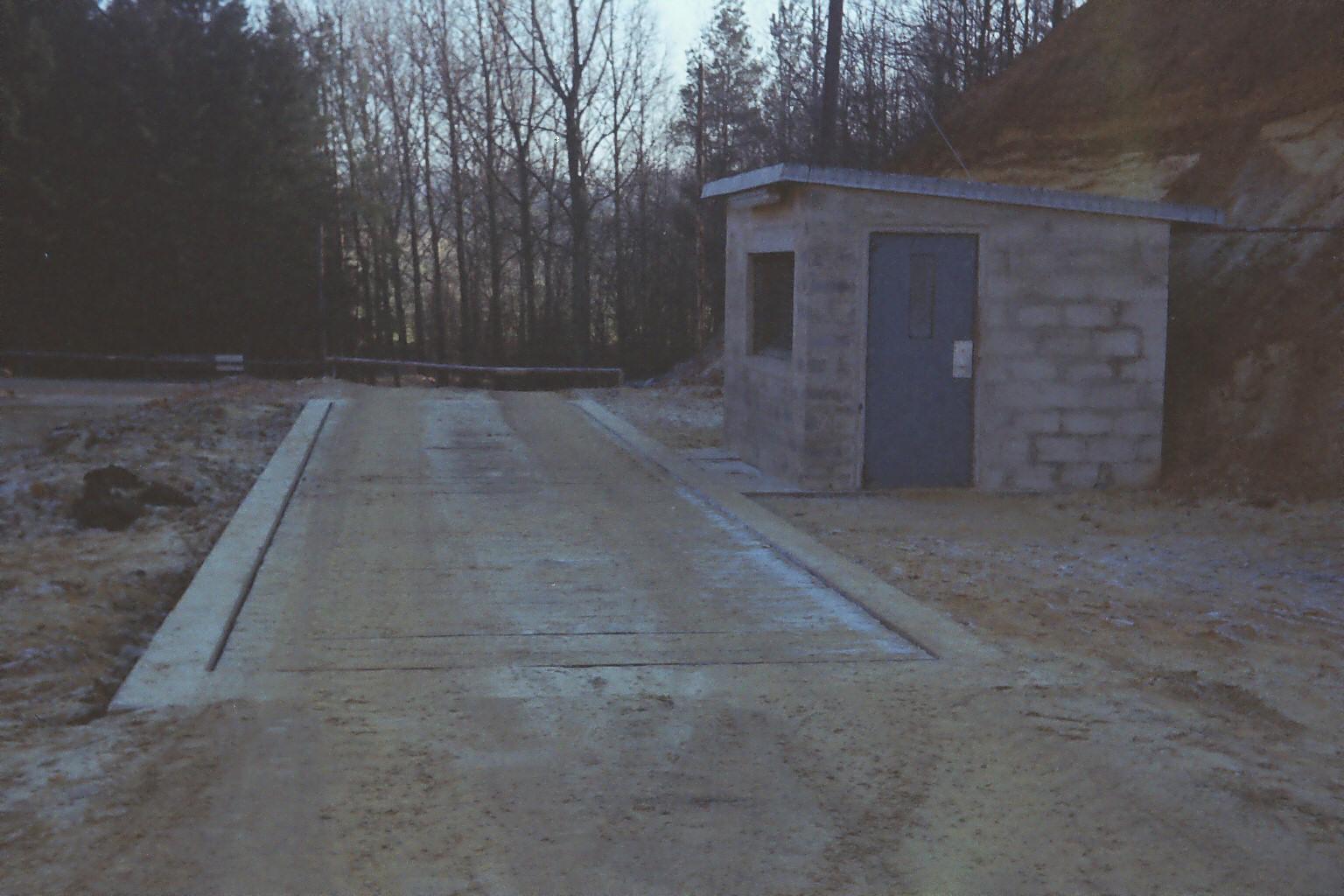Eingang zur Sandgrube Flög
