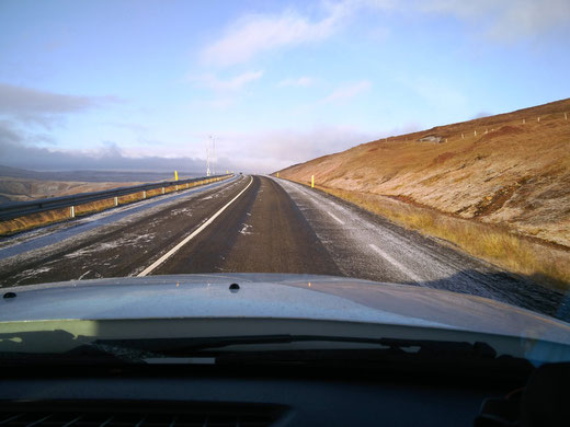 Auf dem Weg nach Akureyri am Fuße des Fjords Eyjafjördur im Norden Islands