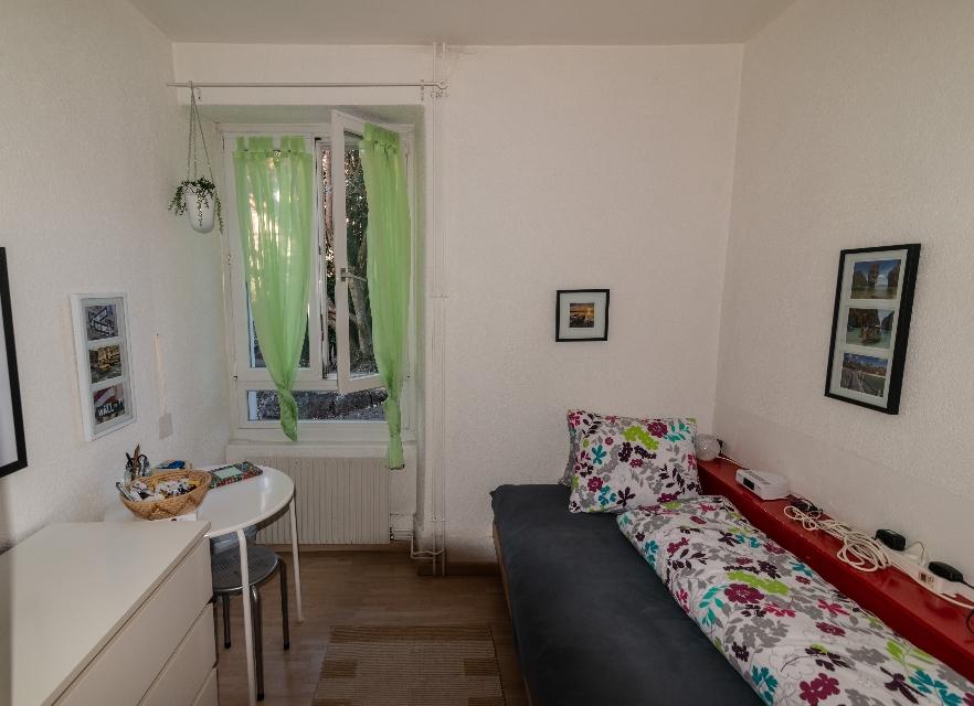 Einblick in die WG ANDOH AG: Eines unserer Einzelzimmer. Quelle: Selbst erstellt.