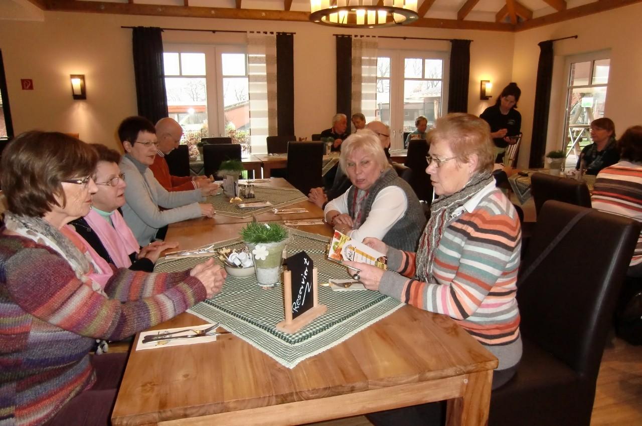 Das Treffen beginnt beim Bauerncafe Arentz in Lippramsdorf