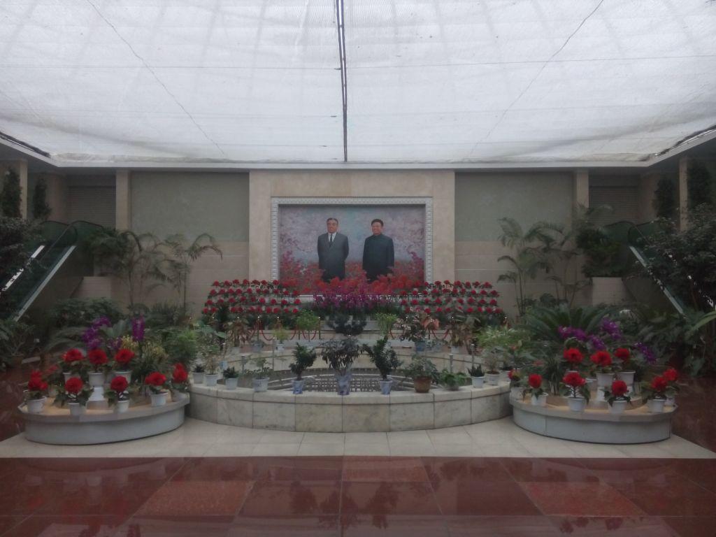Kim Il-sung und Kim Jong-il in der Blumenausstellung
