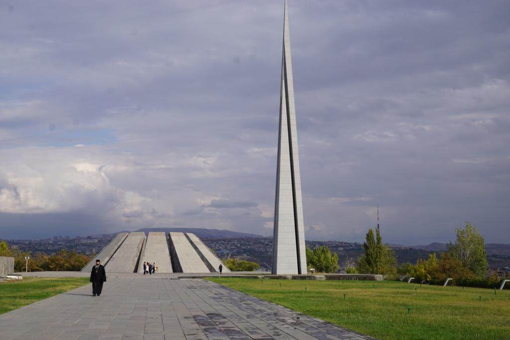 Völkermord-Gedenkstätte, Jerewan, Armeien