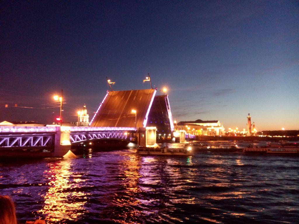 weiße Nacht an der Newa, Sankt Petersburg