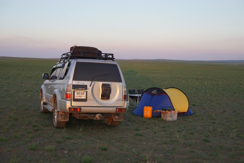 Zelten in der Wüste Gobi, Mongolei