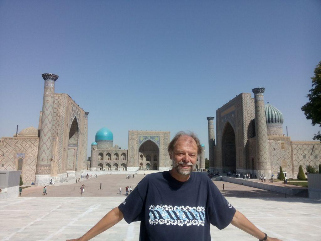 am Registan in Samarkand, Usbekistan