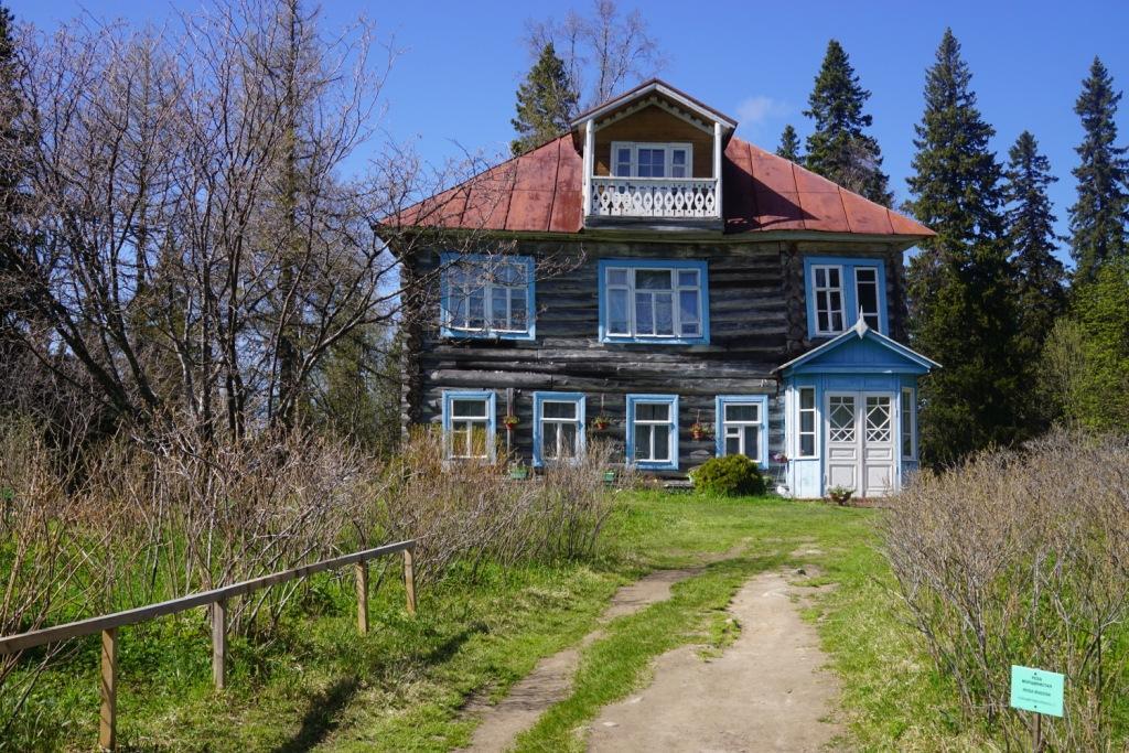 das Haus im botanischen Garten, große Solowedzki-Insel