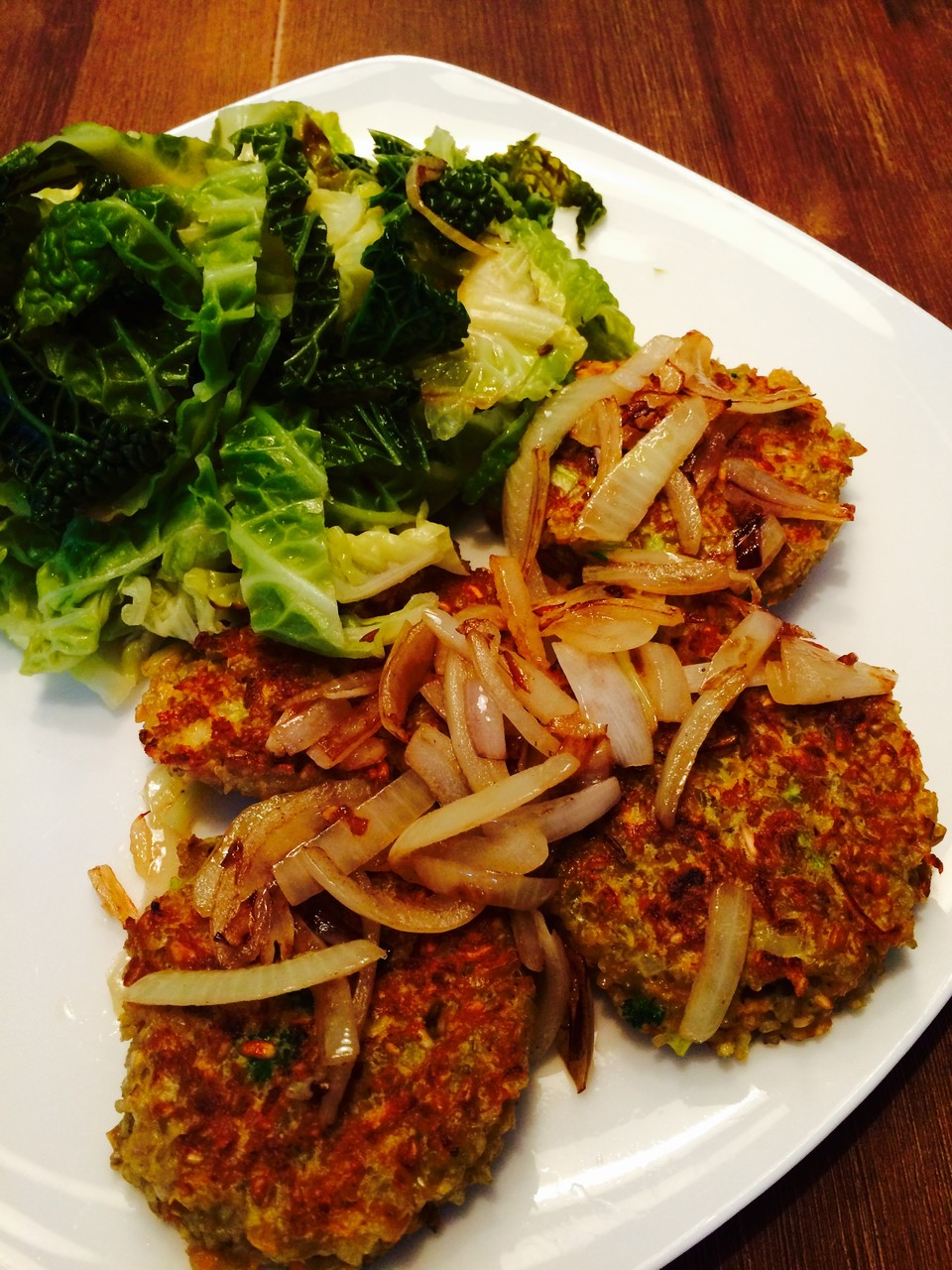 Green spelt patties with savoy cabbage - mycleanlife