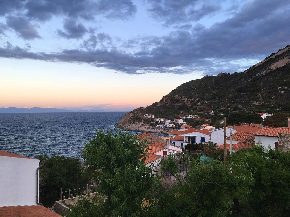 Blick auf die Bucht von  Chiessi vom Grundstück aus