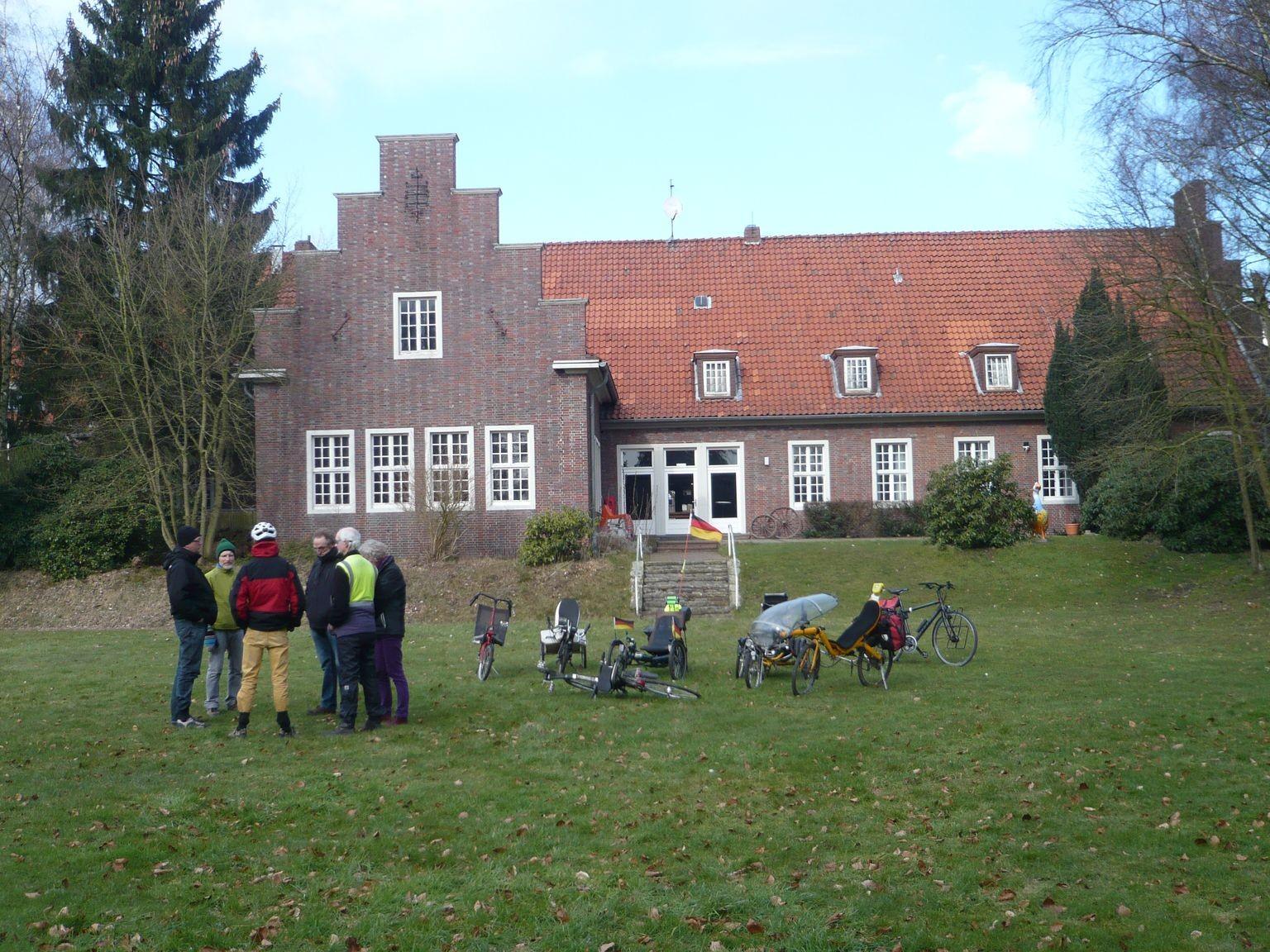Die Abschlussrunde im Garten des Offizierskasinos.