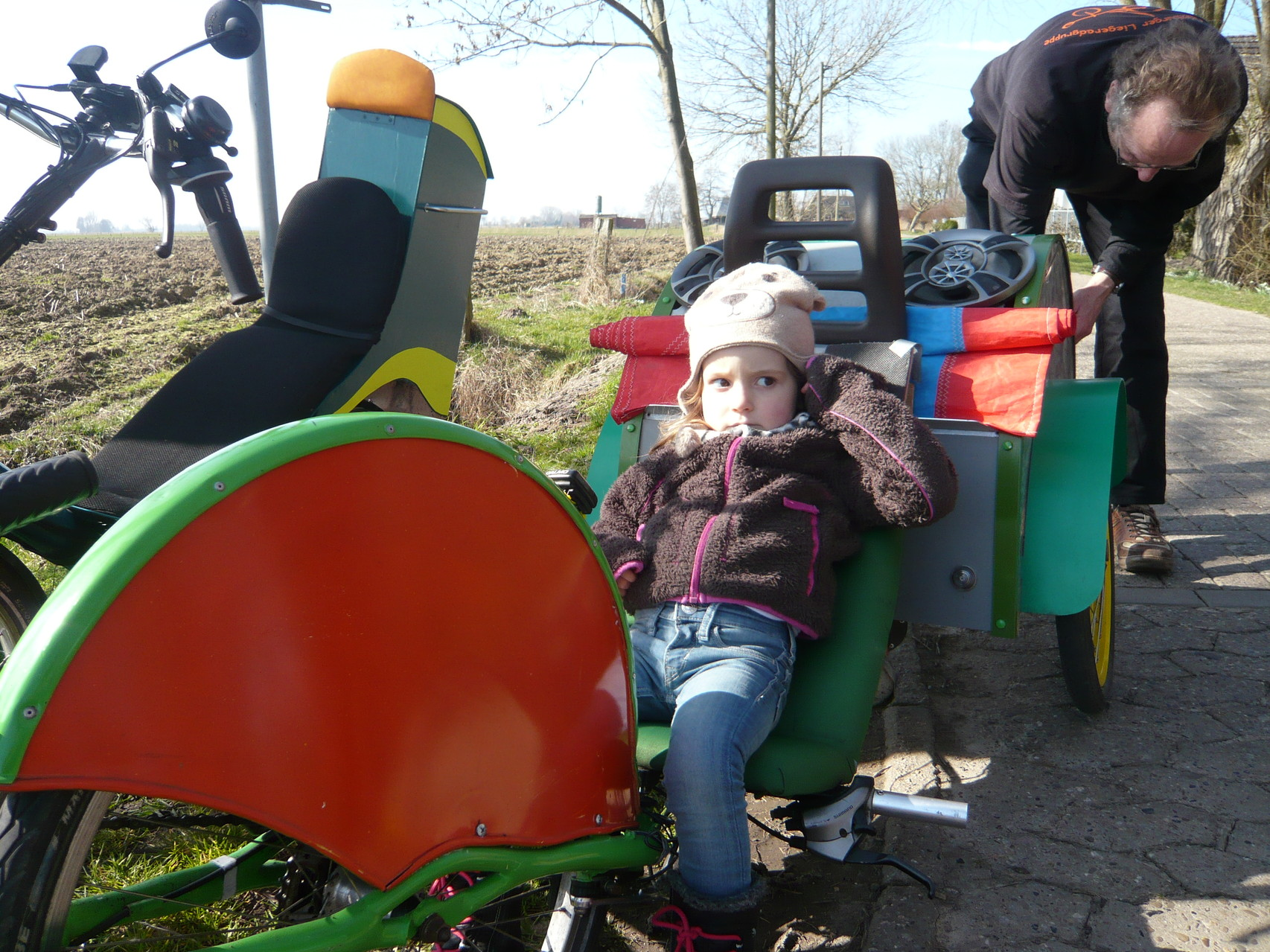 Cooles Rad, aber was sucht denn Onkel Hans da schon wieder?