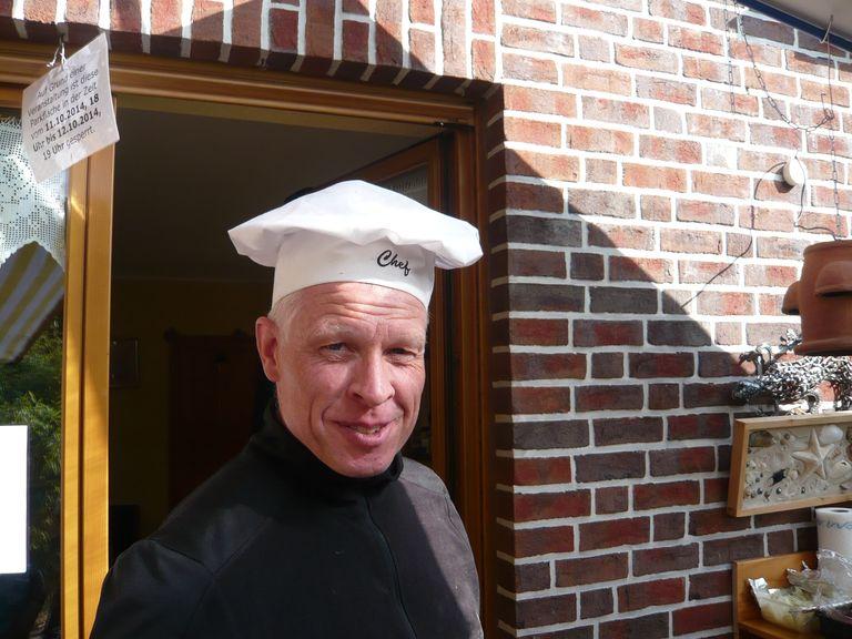 Der Lehrjunge wird zum Chef am Pizzaofen.