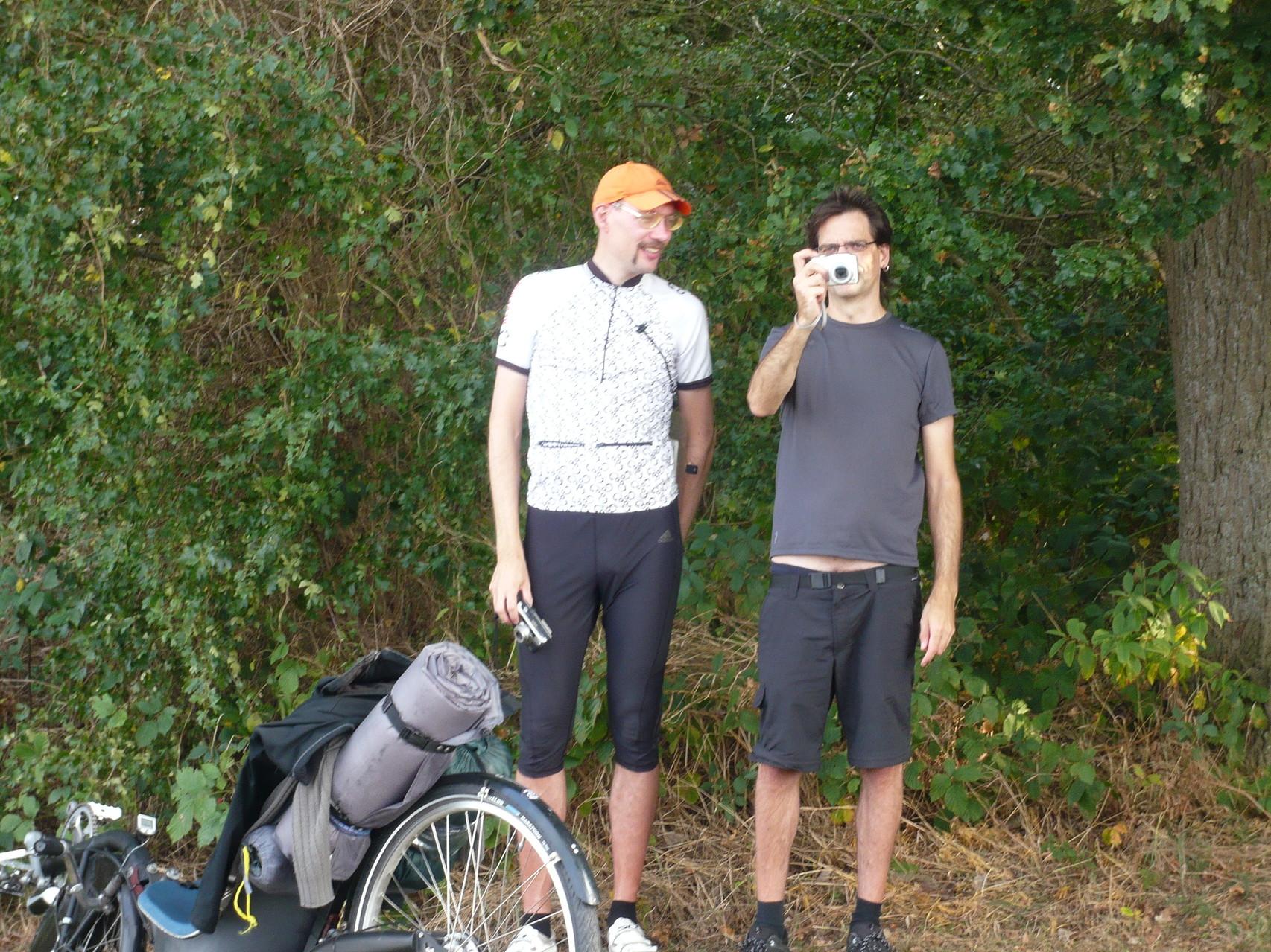 Neben Morten steht der Fotograph des Gruppenbildes.