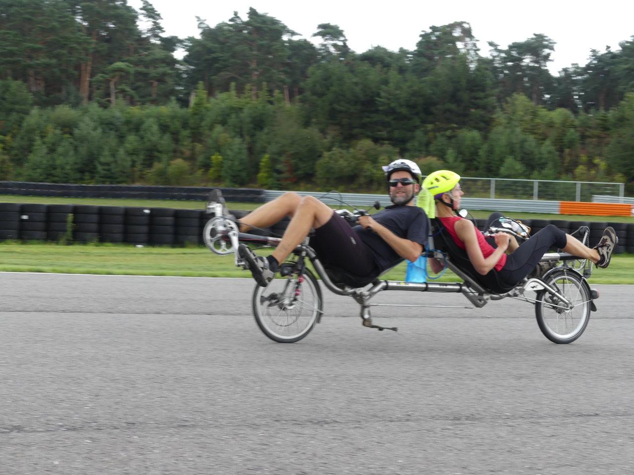 Hanna und Dieter beim 3 Stundenrennen und ...