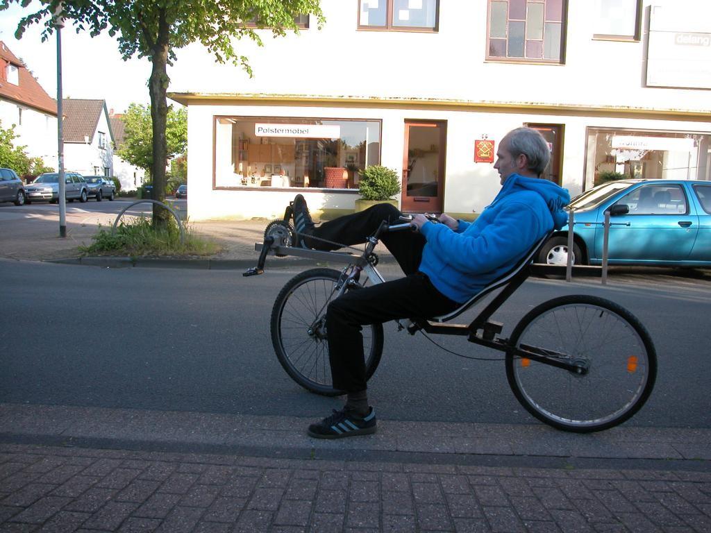 Einradfahren kann er gut, das ist eine neue Herrausforderung.