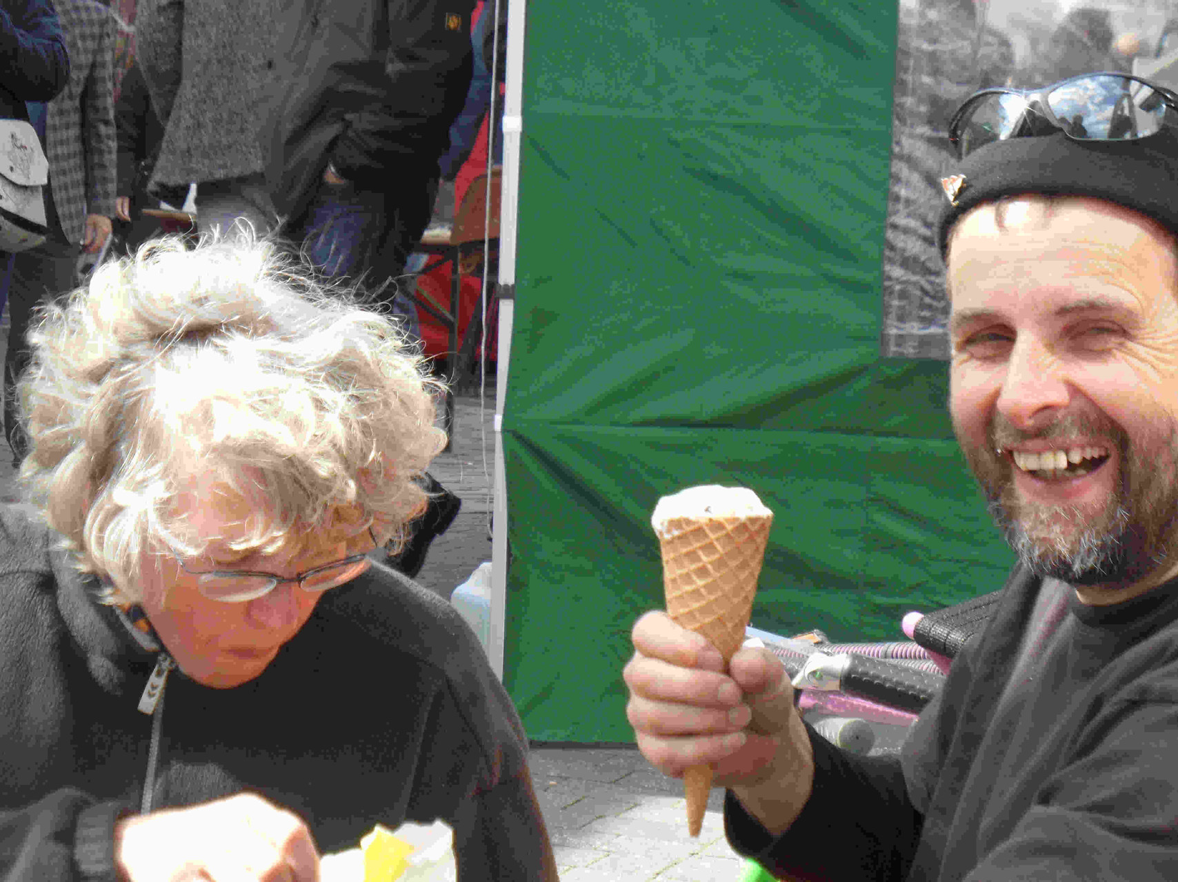 .... und nach dem Schrecken erstmal ein Eis !!!!