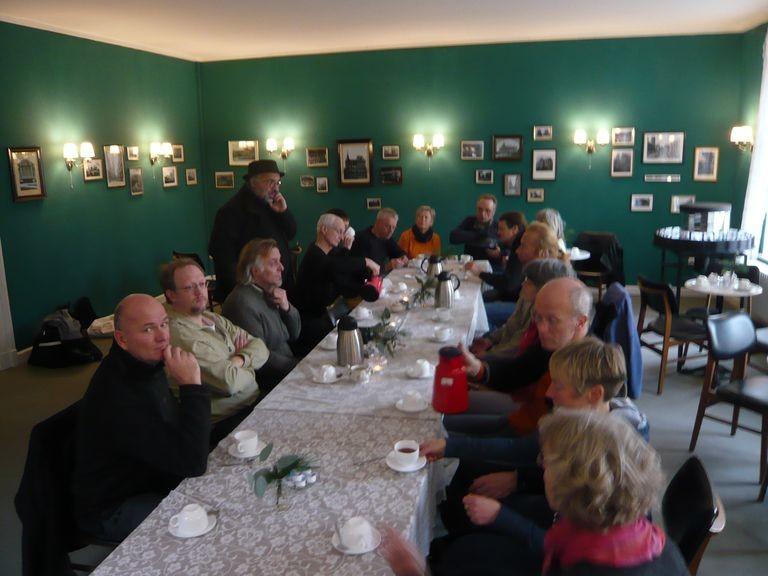 Im KinOLaden beginnt es bei Kaffee und Tee ...