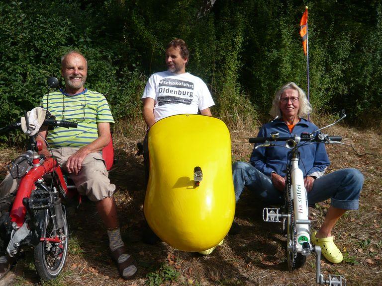 Drei StiffelfahrerInnen haben sich in Bremen kennengelernt und schauen auf ein nettes Treffen zurück.