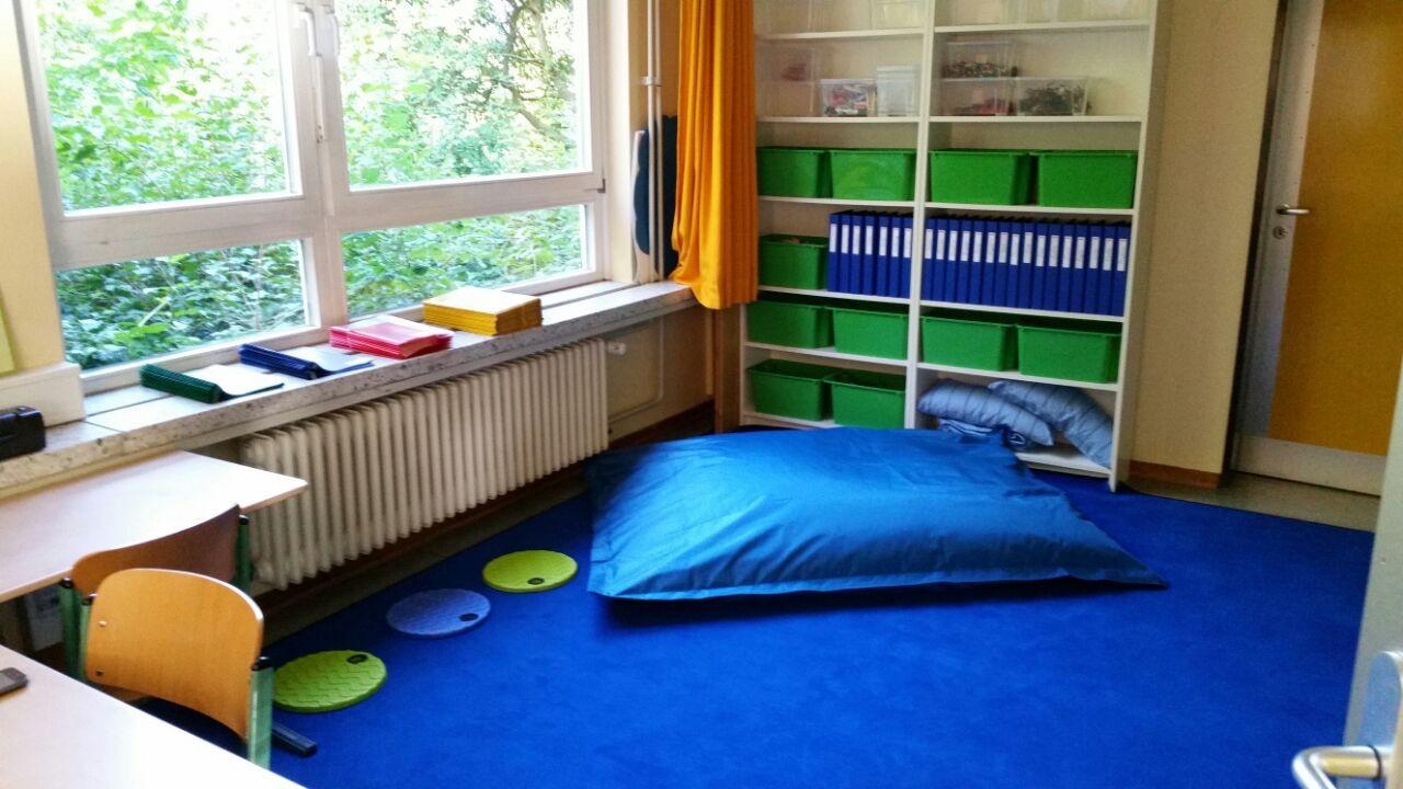 Gruppenraum zum Klassenraum