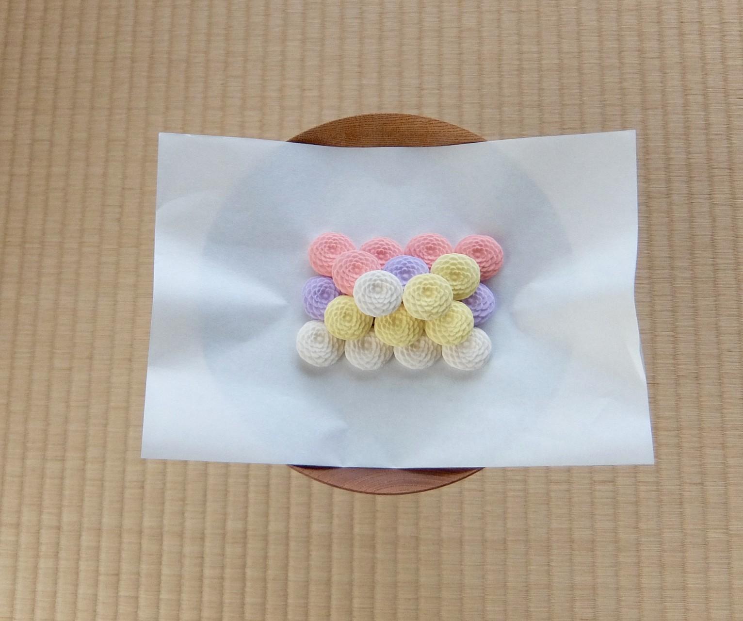 期間限定菊寿糖 鍵善良房製