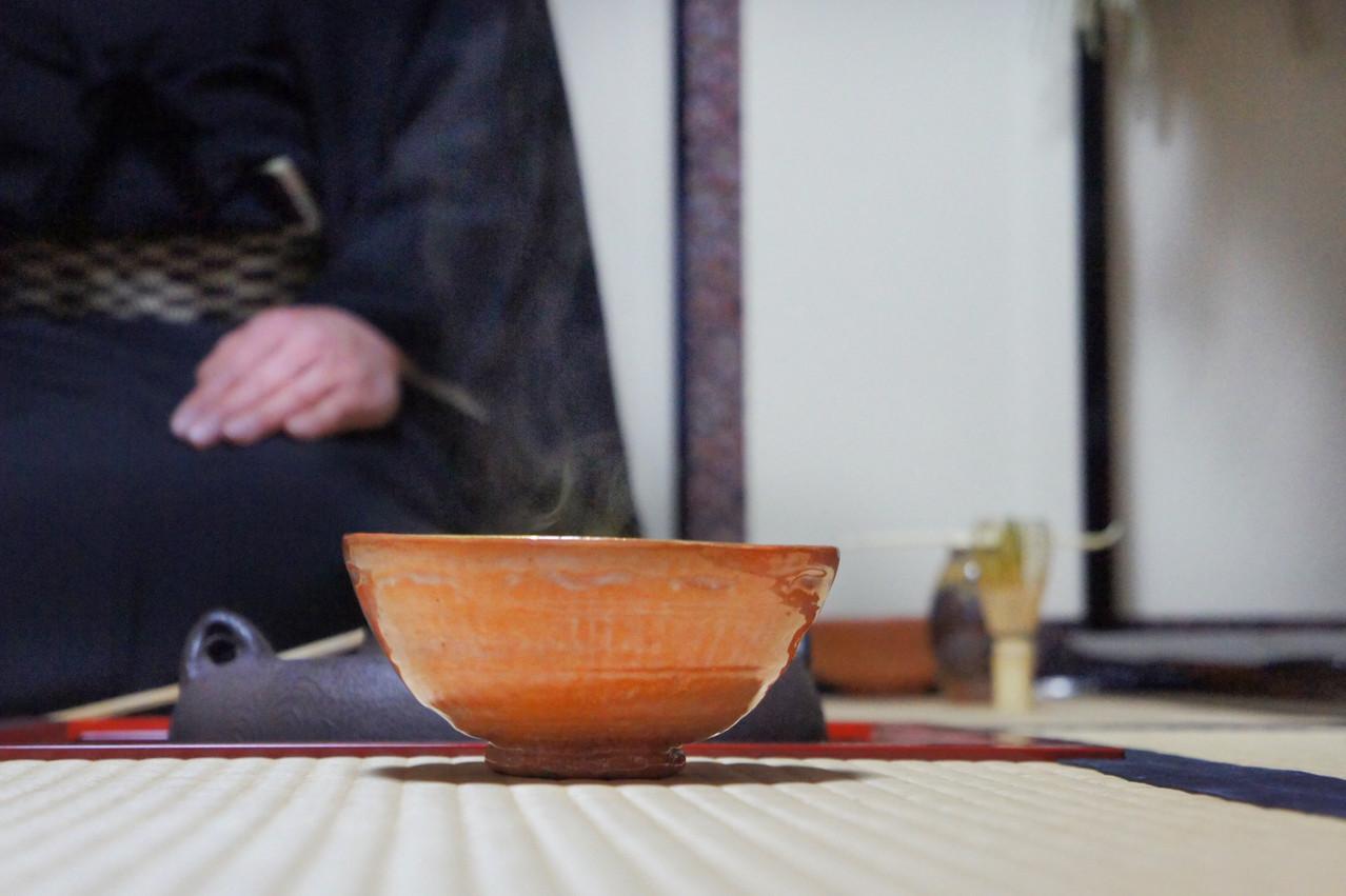 1月14日島台茶碗(大野 暁撮影)