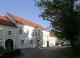 Ausstellungshaus und Keramik-Atelier