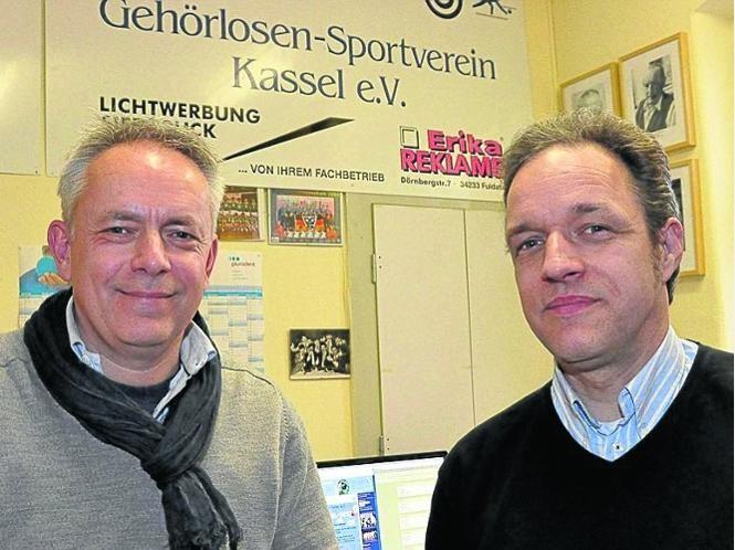 Zwei Säulen des Vereins: Guido Ise (links) führte den Gehörlosen-Sportverein Kassel 16 Jahren lang bis 2008, seit vier Jahren ist Frank Hoffmann Vorsitzender.