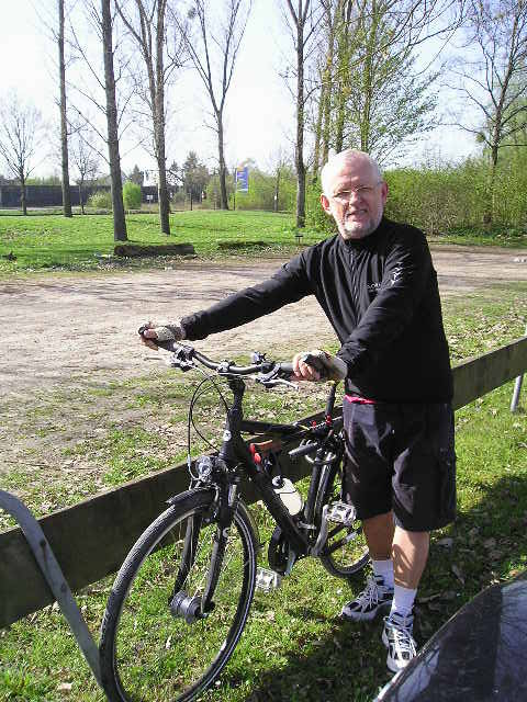 Marian Bialecki mit Fahrrad