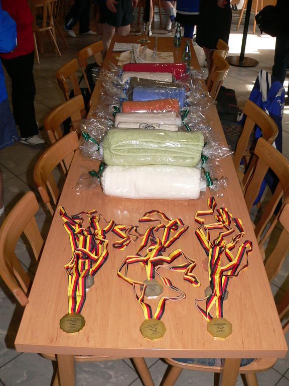 Siegermedaillen mit Sachpreise für Paarkämpfe