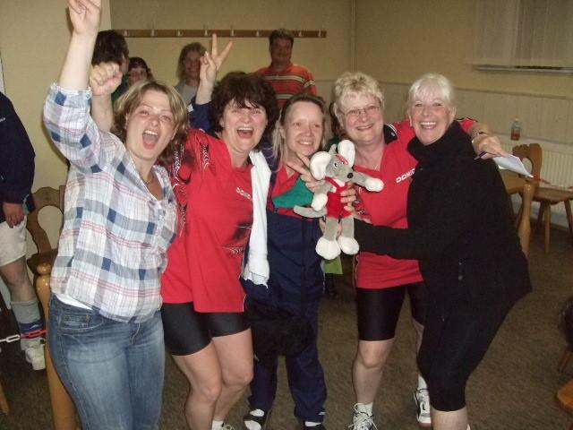 Damen freuen über den Sieg