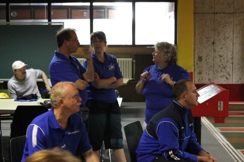 Neuer Verein GSV Trier (oben) diskutieren ber Wettkampf