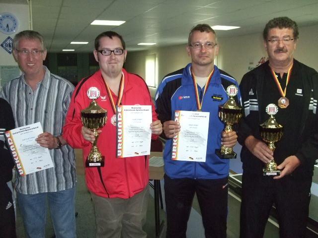 Herren Silber: F. Schäfer (GSV Karlsruhe), Gold: Ralph Müller (GSBF München), Bronze: Altmeister B. Müller (GSV Degendorf), ganz links: Gleitze (GSV Kassel) auf undankbaren 4.Platz