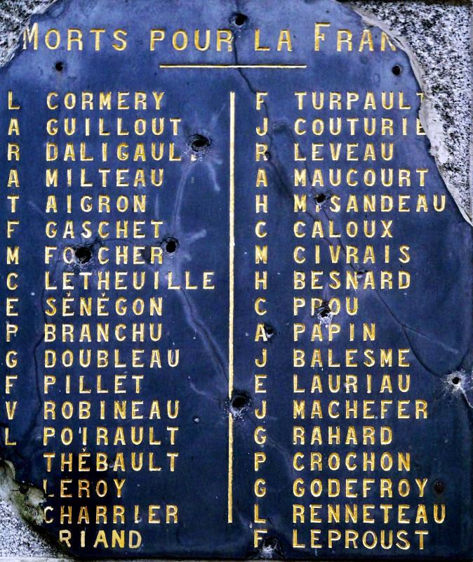 """Détail de la plaque des """"Morts pour la France"""""""