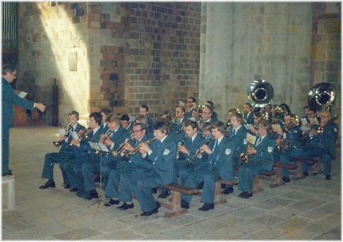 Städtischer Musikverein Erkelenz 1976 bei der Gottesdienstgestaltung auf dem Mont St. Michel
