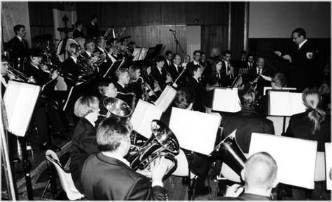 Städtischer Musikverein Erkelenz beim Jahreskonzert 2003 in der ausverkauften Erkelenzer Stadthalle