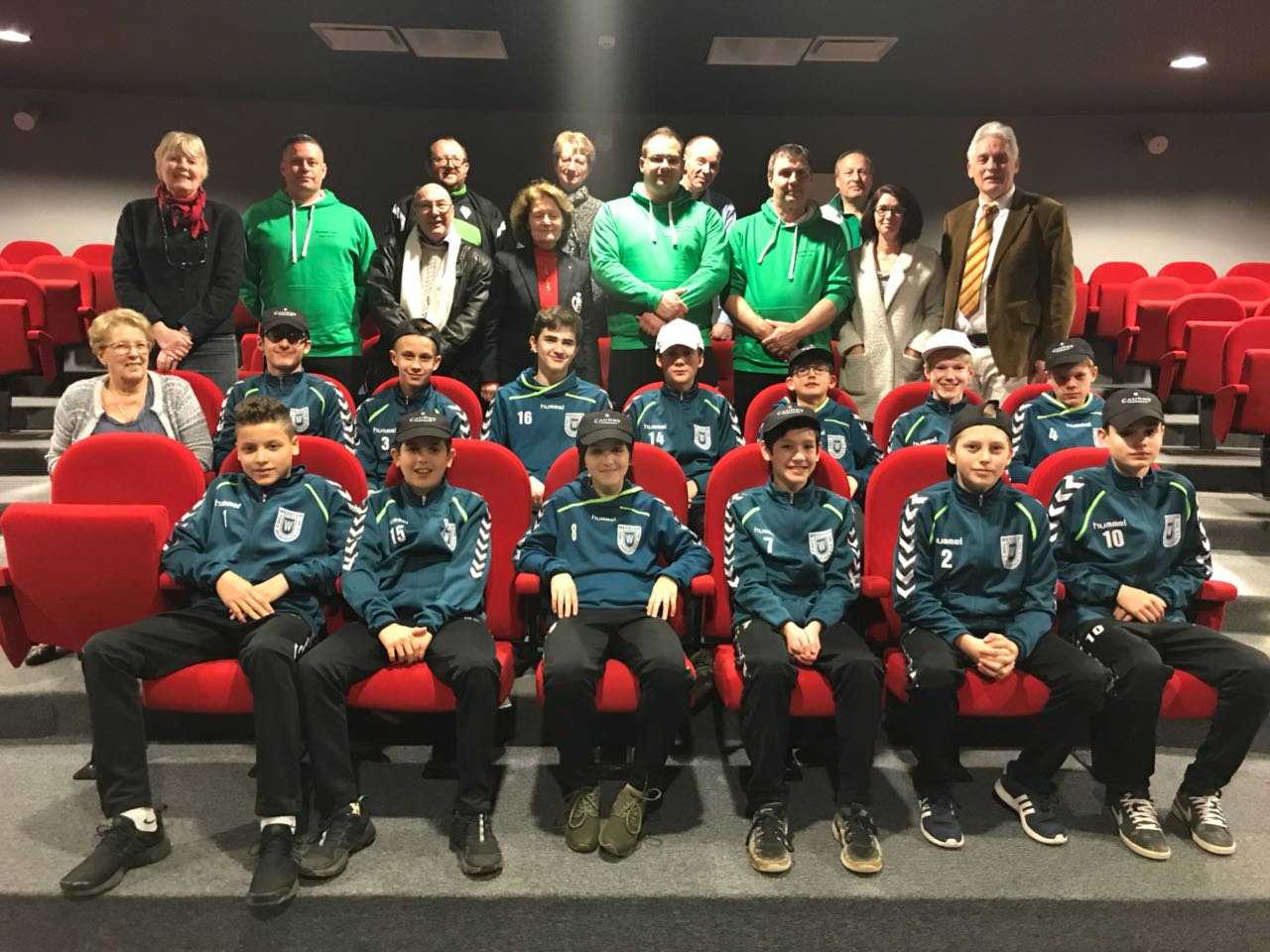Gruppenbild mit unseren Gastgebern aus Caudry
